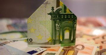 住宅ローンの返済期間は35年が基本?短くすると月々の返済額はどのくらい上がる?