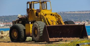 bulldozer-1303516_640