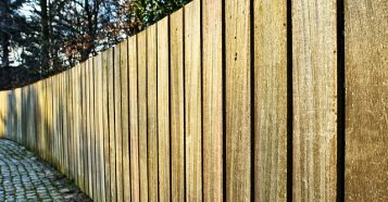 fence-3142506_640