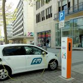 electric-car-1394335_640