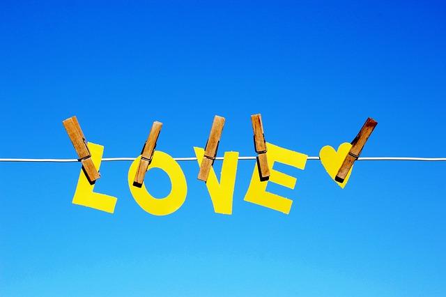 love-3940745_640